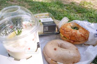 ランチ,芝生,屋外,パン,ピクニック,ベーグル,サンドイッチ,おいしい