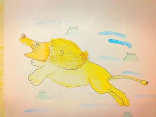 子ども,動物,絵,黄色,アート,ペン,絵画,お絵描き,ライオン,落書き,紙,描く,きいろ,どうぶつ,おえかき,お絵かき,躍動,ラクガキ,らくがき,スケッチ,おうち時間