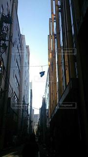 建物,靴,ビル,屋外,都会,道,通り,路地裏,不思議,くつ,狭間,ぽつん