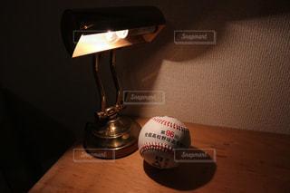 第96回甲子園野球ボール。新しく買ったランプと共に…の写真・画像素材[3228729]