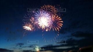 空,夏,夜,屋外,きれい,花火,暗い,季節,花火大会,イベント,景観,迫力,点灯