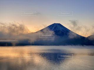 自然,風景,空,富士山,屋外,湖,雲,水面,霧,山,夜明け,日本,日の出,本栖湖