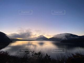 自然,風景,空,富士山,屋外,湖,雲,水面,霧,山,反射,夜明け,日本,眺め,本栖湖