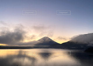 自然,風景,空,富士山,屋外,湖,雲,水面,霧,山,夜明け,日本,眺め,本栖湖