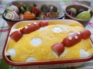 水玉オムライスのお弁当の写真・画像素材[3636726]
