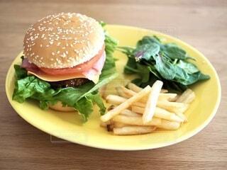 手作りハンバーガーの写真・画像素材[4180745]