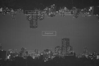 夜,屋外,モノクロ,タワー,高層ビル,黒と白,都市の景観