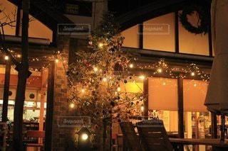 夜,イルミネーション,キャンドル,クリスマス,明るい,ダイニングテーブル,聖夜,クリスマス ツリー