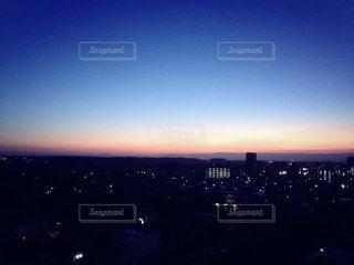 空,夜空,屋外,朝日,夕暮れ,タワー,都会,高層ビル,日の出,一息,小さな幸せ,夜勤
