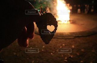 屋外,ハート,火,焚き火,キャンプファイヤー,世界平和,love&peace