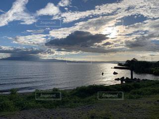自然,風景,海,空,屋外,湖,ビーチ,雲,夕暮れ,水面,海岸,草,滋賀,夏の始まり,くもり,岬,眺め,長浜