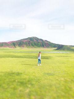 自然,風景,空,屋外,ピンク,山,景色,草,新緑,高原,クラウド
