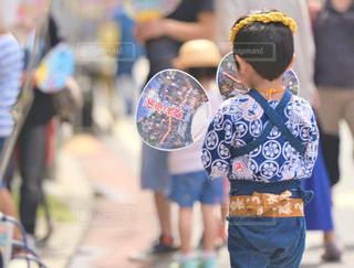 祭りに参加する男の子の写真・画像素材[3556453]