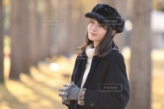 帽子をかぶった女性の写真・画像素材[4044194]