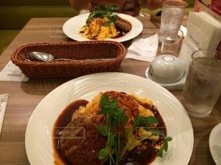 食べ物,食事,ランチ,テーブル,皿,レストラン,オムライス,デミグラス,デミグラスソース