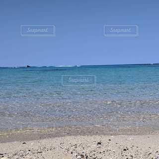 海,空,砂,ビーチ,青空,透明,砂浜,波打ち際,波,水平線,奄美