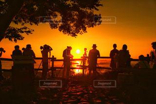 夕日写真の裏側の写真・画像素材[1019659]