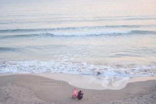 海,太陽,後ろ姿,夕暮れ,波,光,sea,鎌倉,七里ヶ浜,冬の海,太陽の光,ツーショット