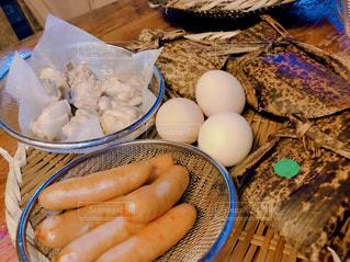 食卓の上の食べ物の写真・画像素材[3184542]