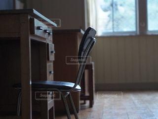 カメラ女子,窓,椅子,学校,教室,フォトジェニック,インスタ映え