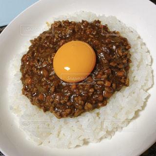 食べ物,おうちごはん,白,皿,カレー,卵,米,料理,おいしい,手作り,玉子,お家,茶,カレーライス,キーマカレー,お家ごはん,おうちカレー