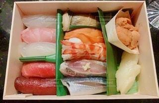 食べ物,料理,寿司,出前,魚介類,鮨,宅配,テイクアウト,さかな,デリバリー,お持ち帰り