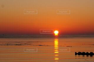 自然,風景,海,屋外,太陽,朝日,水面,オレンジ,正月,お正月,日の出,道東,新年,初日の出,氷点下,穏やか