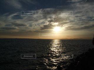沈む夕日の写真・画像素材[3395191]