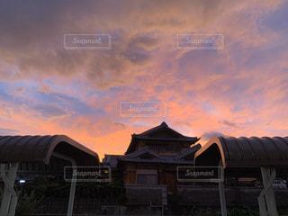 空,建物,屋外,綺麗,夕暮れ,台風