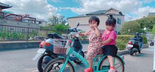 子ども,風景,夏,屋外,少女,人,幼児,少年,二人乗り