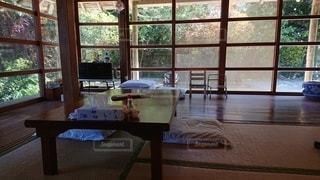 屋内,部屋,窓,家,椅子,テーブル,床,家具,古民家,デスク