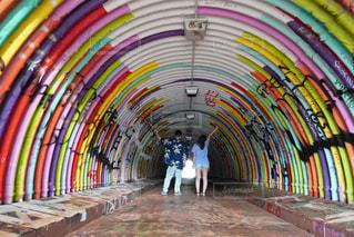 風景,屋内,虹,レインボー,鮮やか,人,旅行,旅,トンネル,ハワイ,リゾート,カラー,トラベル,履物