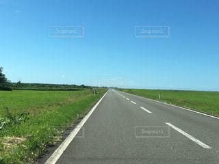 まっすぐな道の写真・画像素材[3194741]
