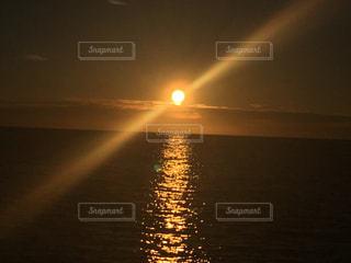夕日の写真・画像素材[3195075]