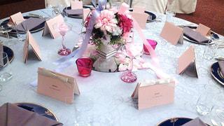 花,ピンク,花瓶,結婚式,テーブル,可愛い,テーブルコーディネート,装飾,ウエディング,披露宴,パーティー