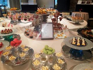 食べ物,屋内,結婚式,デザート,テーブル,フルーツ,皿,ウエディング,マカロン,ビュッフェ,ブュッフェ