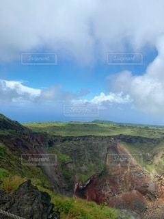 三原山の火口の写真・画像素材[3348840]