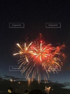 夜空の花火の写真・画像素材[3609500]