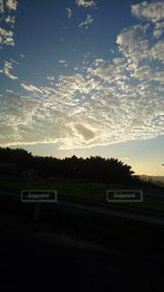 風景,空,太陽,雲,夕暮れ,樹木,くもり,クラウド