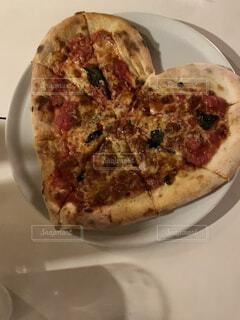 ハートのピザの写真・画像素材[4271841]