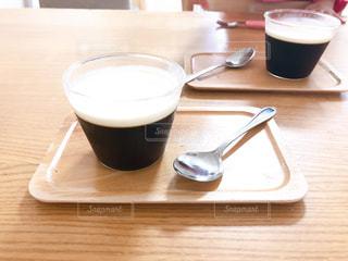 暑い日のおやつにコーヒーゼリーの写真・画像素材[3210046]