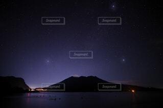 桜島と夏の大三角の写真・画像素材[3629038]