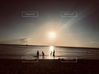 自然,海,空,屋外,太陽,ビーチ,夕暮れ,水面,海岸,立つ,ハワイ,Hawaii,waikiki,ワイキキビーチ,クラウド