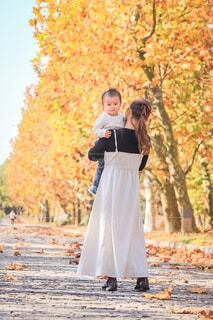 秋のお散歩の写真・画像素材[3900810]