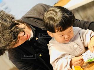 子ども,家族,屋内,人,赤ちゃん,幼児,おうち時間