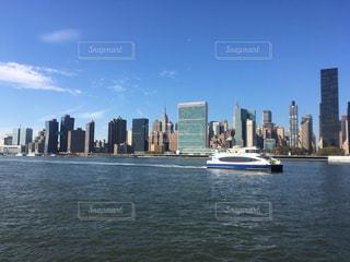 風景,空,ニューヨーク,屋外,晴天,船,観光,都会,高層ビル,ビジネス,スカイライン,最先端,ウォータータクシー