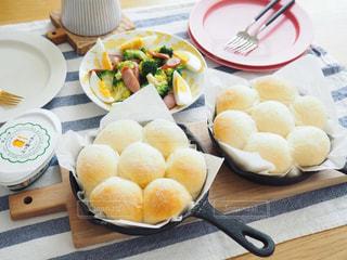 食べ物,食卓,朝食,屋内,パン,テーブル,皿,おいしい,テーブルフォト,手作り,ライフスタイル,手作りパン