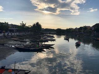 風景,屋外,ボート,船,川,水面,ランタン,夕方,景色,反射,旅行,祭り,ベトナム,夕陽,ホイアン,ゆうひ,トゥボン川