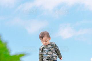 風景,空,青,子供,赤ちゃん,展望台,幼児,快晴,男の子,1歳