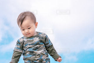 風景,空,かわいい,青,子供,赤ちゃん,展望台,幼児,グリーン,快晴,男の子,息子,1歳,迷彩
